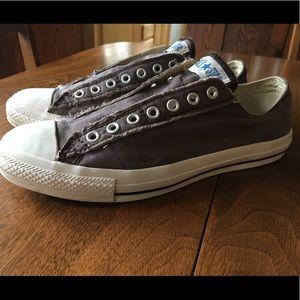 Men's size 10 converse one star brown tennis shoe